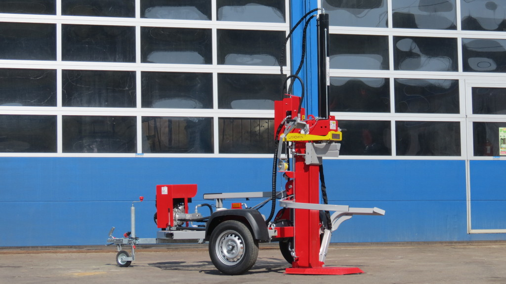 Lancman Holzspalter auf Fahrgestell STAWX17 oder STAWX21 3