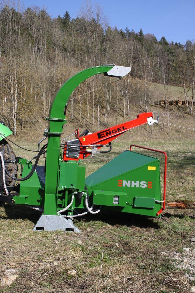 Funkgesteuerte Seilwinde für Holzhäcksler 3